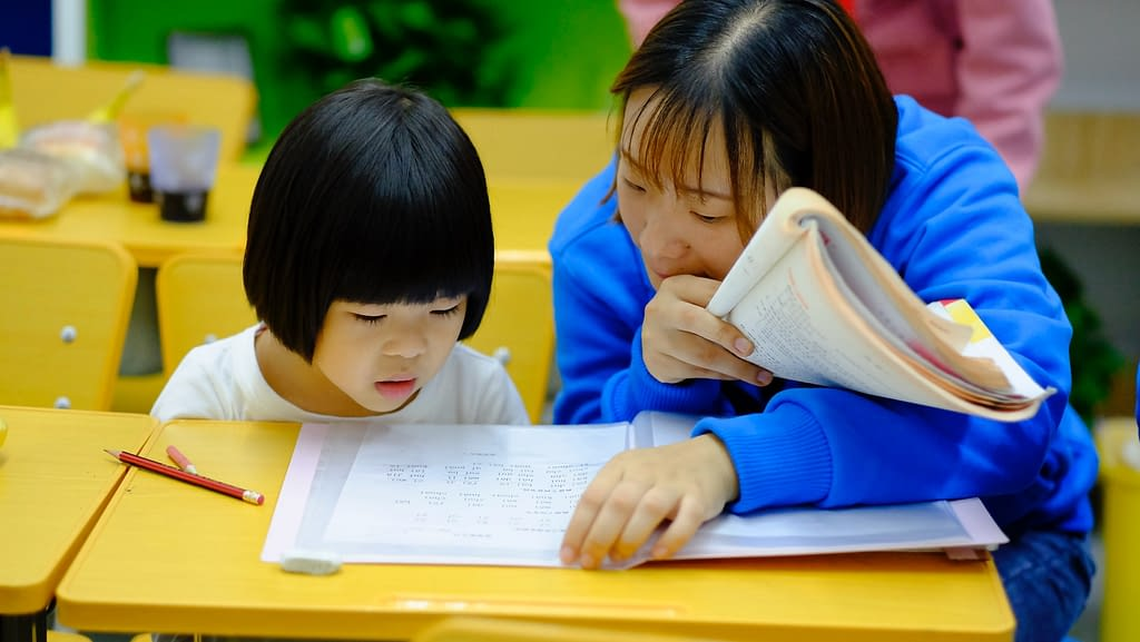 Teaching English kids